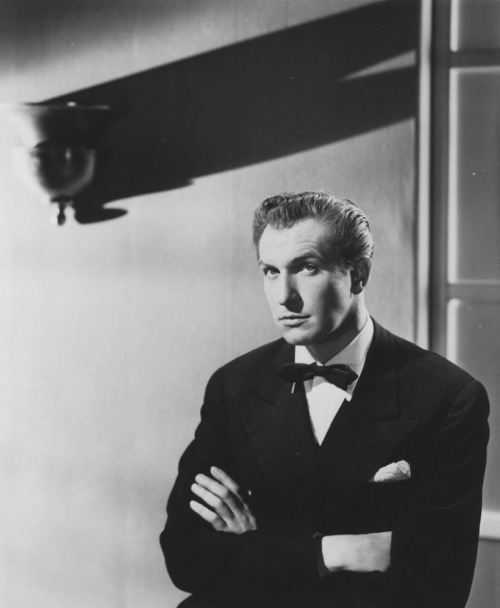 Publicity photo of Vincent Price as Shelby Carpenter in Laura (1944), Vincent's personal favorite.