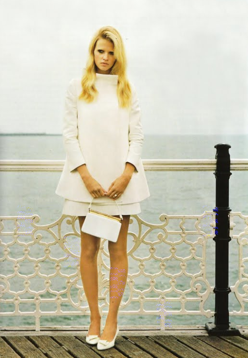 calivintage:  Lara Stone by Alistair McLellan for Vogue UK November 2010 via Gossiping on TFS.