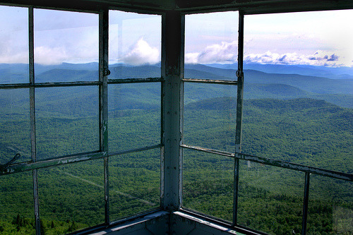 volturius:  Window on VT (1) (by daveschmidtphoto)