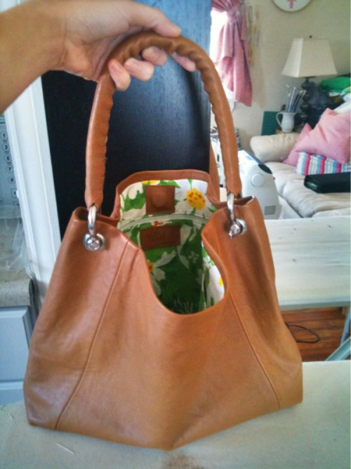 valeriek:  I made a purse yesterday.  This used to be a men's jacket. I'll Try Anything Once has a new hero.