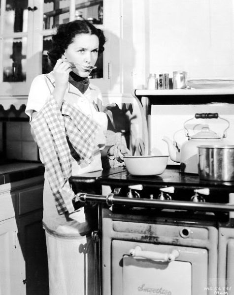 Maureen O'Sullivan in her nifty kitchen - 1936