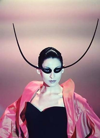 glitterina:  PHILIP TREACY  97-98