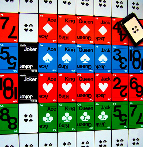 Bruce Blackburn's modernist playing cards for MoMA NY, 1972 (via Las cartas sobre la mesa).