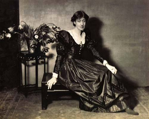 thebloomsburygroup:  Virginia Woolf in 1924, posing for Vogue in a dress of her mother's.