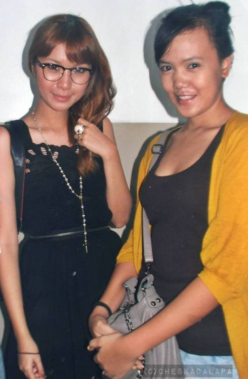 "with Tricia Gosingtian at Bloggers United. She's so lovely, soft-spoken person and cute. We first saw her in the comfort room and we were like ""OMG! It's Triciaaaaaaaa!"" At first, we don't know if we will approach her to have picture together or not. But there you go! I'M WITH TRICIAAAAAAAAAA! I hope you still remember meeeee! :> Thank you! Loveyaaaaaa! ♥♥♥♥♥♥♥♥"