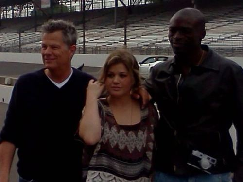tprymek: seal and Kelly Clarkson practicing for Indy national anthem