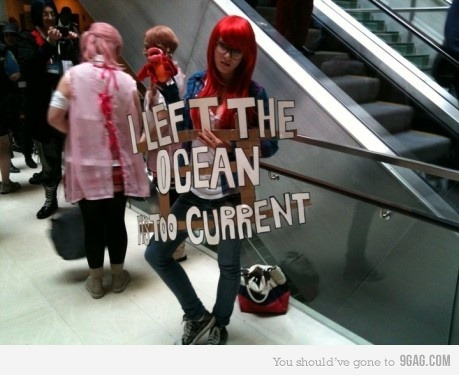 guy-gardner:  ohmygil:  iggygogo:  9gag:  Hipster Ariel (4 real)  For allison*  oh god. The pun. It's perfect.   lmfao