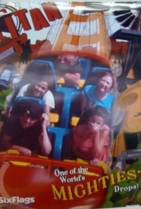 Selena & Justin at Dallas Texas Six Flags�