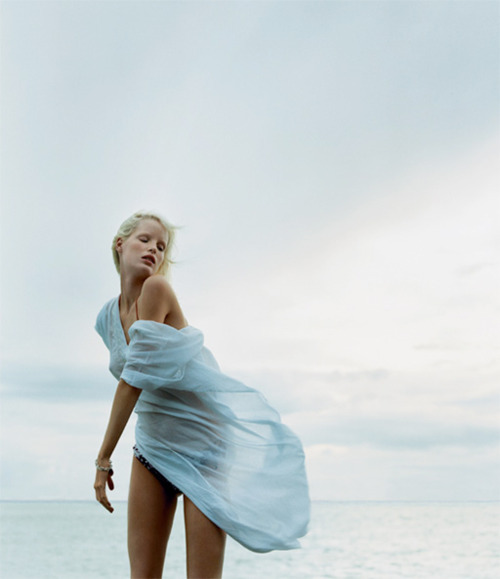 fashionchalet:  I want that beautiful, beach cover up