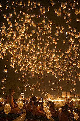 127pulpfictionaltrueromances:  saddest-summer:  Floating Lantern 2 (by Yang Tee Mon)  Breathtaking.