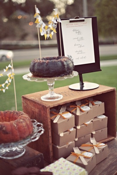 bride2be:  mini bundt cake wedding favors
