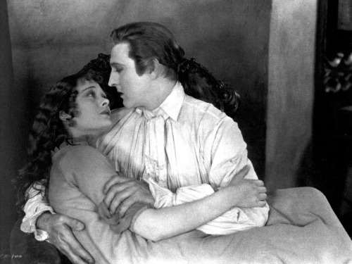 theloudestvoice:  John Barrymore and Dolores Costello in a wonderfully romantic scene from a wonderfully romantic movie, When a Man Loves, 1927 (I am a complete sap for this film.)