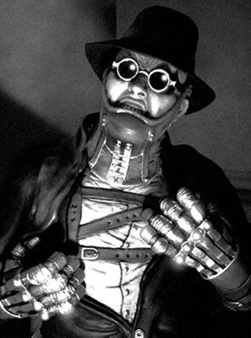 "joelcrary:  sombreboite:  Peter Lorre as Dr. Gogol in Karl Freund's ""Mad Love"",1935  Came across this flick browsing loveinexcess' tumblr. Can't believe I've never heard of it. The getup they put Peter Lorre in for Dr. Gogol is BADASS. Must track this down.  We should watch this together when you're back!"