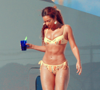 bigbxxtybitches:  Beyonce Knowles http://www.youtube.com/watch?v=hkgqBIQmoI8