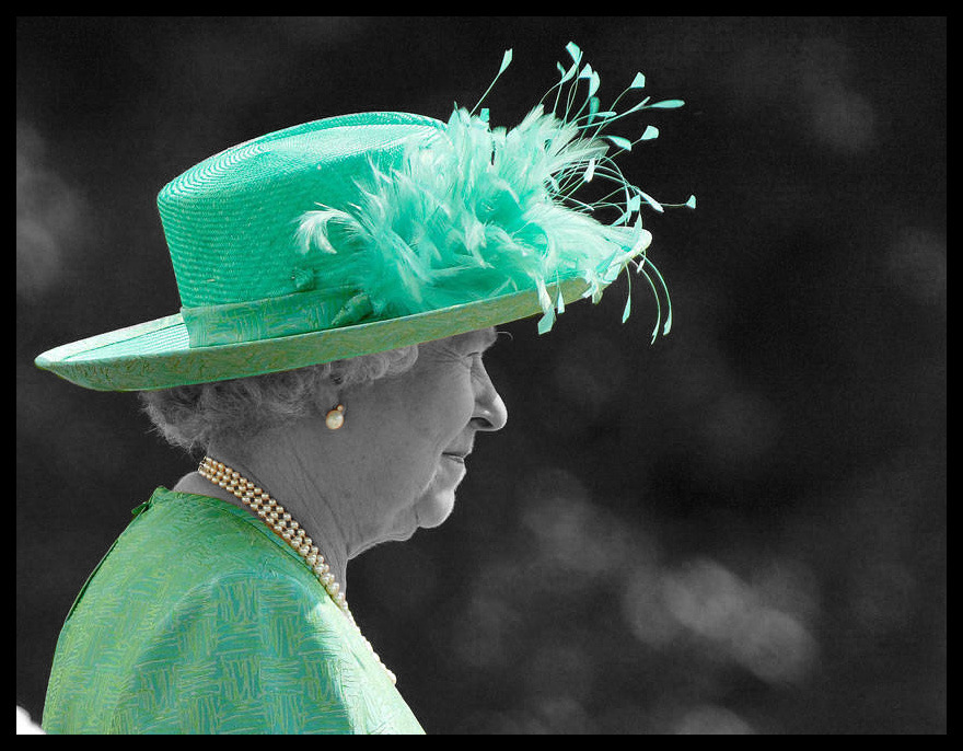 Queen Elizabeth II during her visit in Singapore, March 2006. (Photo by: Jonathan Drake/Getty Images)