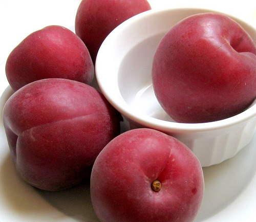 red velvet apricots (by foodiehunter)