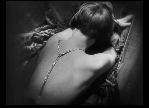 "Louise Brooks in ""Pandora's Box"" (G.W.Pabst, 1929)via"