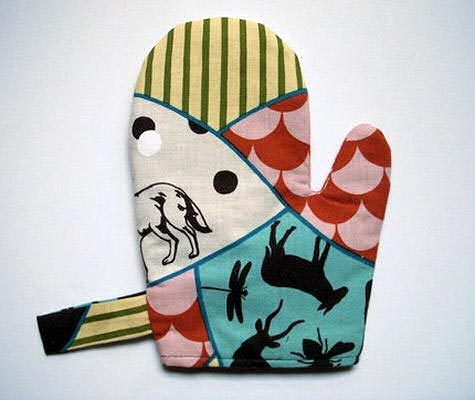 pattern: oven mitt tutorial via Design Sponge