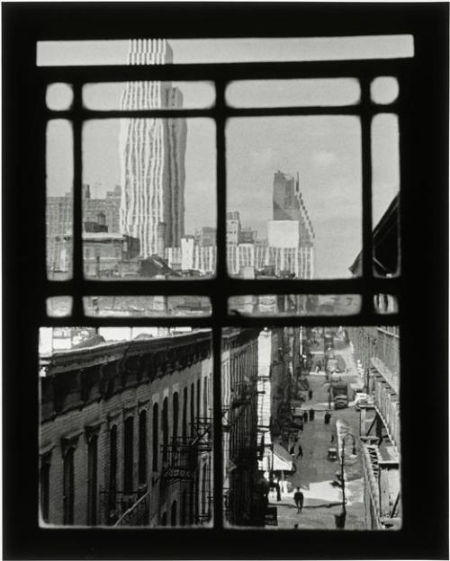 luzfosca:  André Kertész New York, 3rd Avenue, 1937 From Réunion des Musées Nationaux Thanks to liquidnight and undr