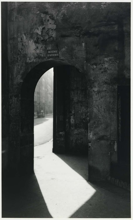Todd Webb Passage to Rue de Seine, Paris, 1949