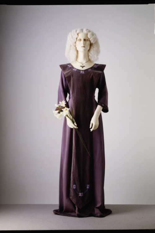 Liberty & Co dress ca. 1905 via The Victoria & Albert Museum