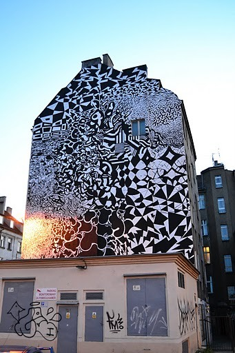 Here's an awesome photo from a recent street art festival in Poznan…..Katowice was first though, just saying :P There's more if you click this link, thanks to Outsidermag