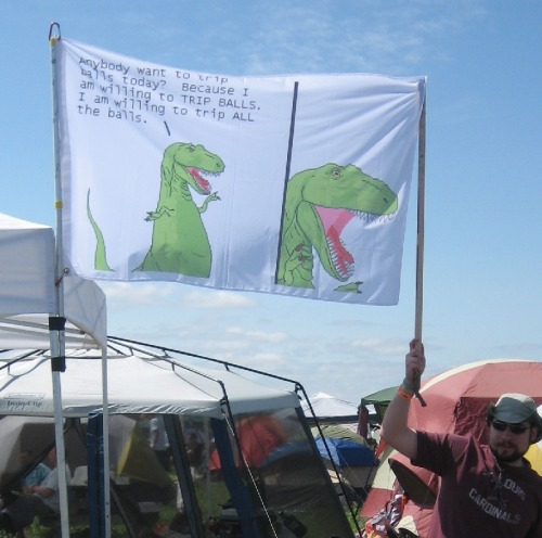 ilikethisresonance:  ryannorth:  Joe made a Dinosaur Comics flag and it is basically perfect.  Imagine this flying above your house / castle / ship on the high seas  TRIP ALL THE BALLS