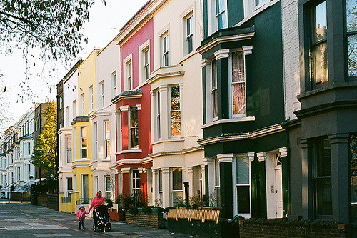 razorbladesalvations:  notting hill by susan zhang