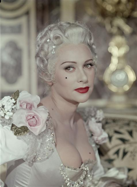 "Martine Carol dans ""Madame du Barry"", 1954"