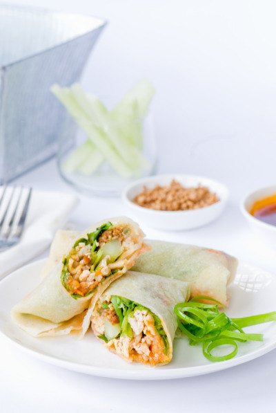 Vegetarian spring rolls with fresh popiah skin is the Chinese-style summer rolls Recipe