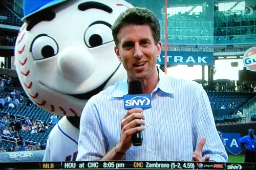 Mr. Met Photobombs SNY's Kevin Burkhardt