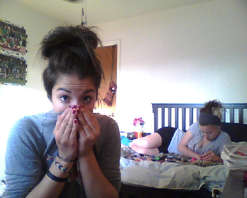 britt-titts:  painting our nailz lulz <3