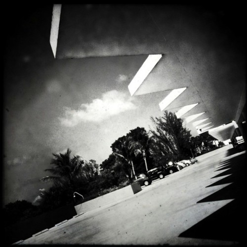 The Edge • #bocaraton #florida #iphoneography #hipstamatic #cameramatic #dancristea #konstruktivist #architecture #building #shades #shadows #garage #blackandwhite #baw #bw #iphoneography #iphoneonly  (Taken with instagram)