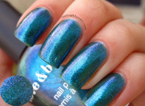 love and beauty (forever 21) - blue/green  this polish made me feel schizophrenic. i really loved it under low, fluorescent lighting because the purple flash was extremely awesome. but then in the sun, it was a weird, sheer teal with some weird yellowness to it (maybe just my stained nails) that i really hated. wish i could have photographed the purple flash, it's lovely.