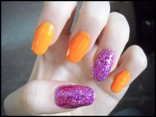 Revlon- Tangerine Sinful Colors- I Miss You