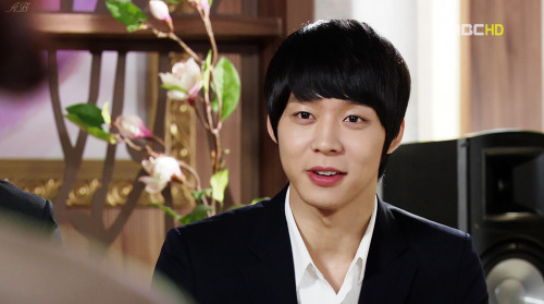 jaejoonghadsexwithme:  kimchun:  this face is so adorable  this man is gorgeous