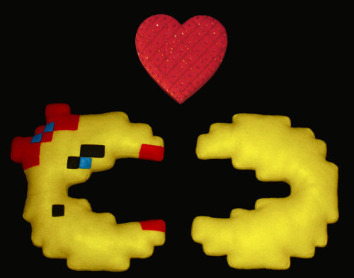 Pac Man 8-bit Plushes - by bassoonhero  (via:plushplushies)