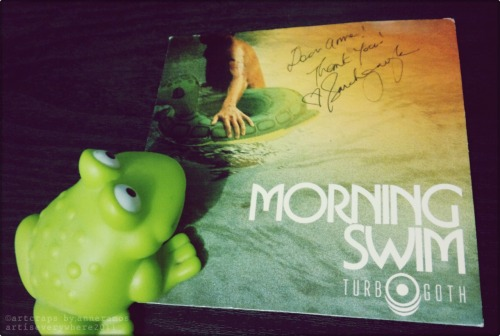 'Got my copy signed! :) Yey!
