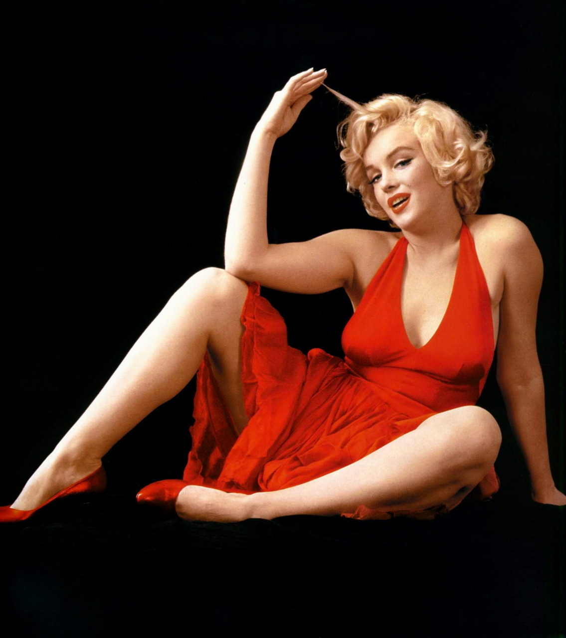classiquehollywood:  theniftyfifties: Marilyn Monroe by Milton H. Greene, 1957.