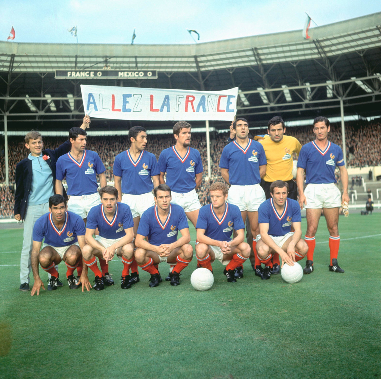 interleaning:  France to face Mexico, World Cup 1966.  De Michele, Djorkaeff, Budzynski, Bosquier, Aubour, Artelesa; Combin, Bonnel, Gondet, Herbin, Hausser.