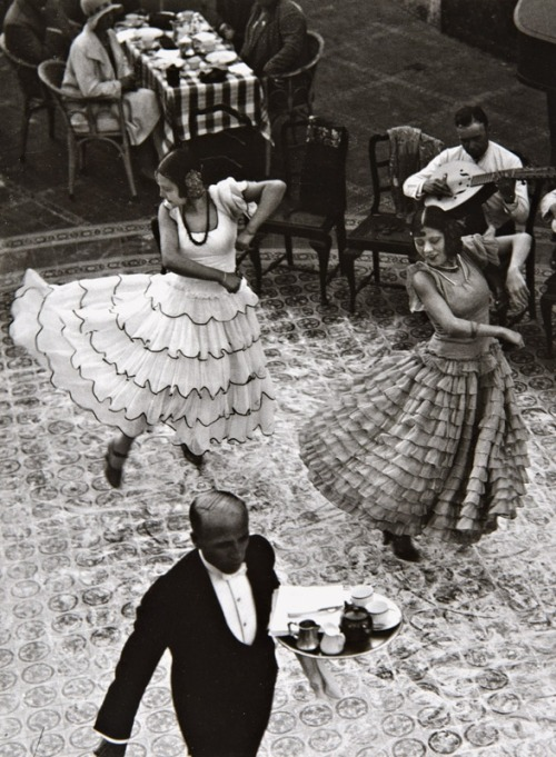 I want to be one of these women dancing in the 1930s…take me there!