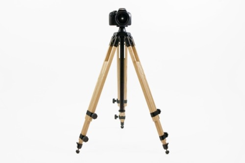 Be still my heart! A vintage inspired wood tripod!  Photojojo you complete me!