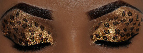 beautylish:  Have you seen Beautylish user Mickey Monroe's leopard print eye makeup? Amazing!