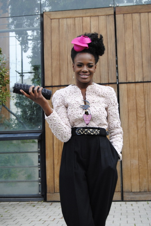 Shingai Shoniwa outside the Emanuel Ungaro show. Photo by Yanique of Too Cute! Magazine. (via Natural Belle)