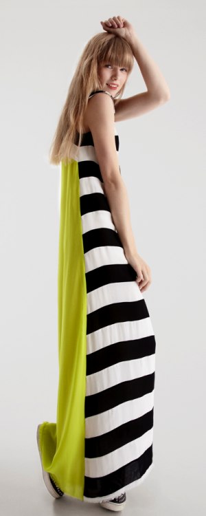 this lulu kennedy maxi shows a trend i'm gonna be sticking to this summer and summers to come.. mono stripes with flouro inserts.