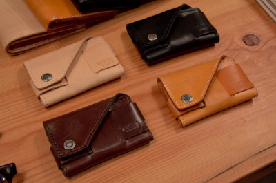 【TANNER GOODS LEATHER CARD HOLDER】 HYPEBEAST 详情