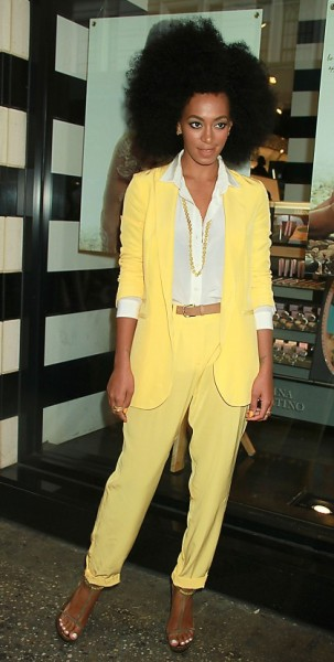 The perfect summer look a la Solange Knowles. Reminds me of lemon sherbet. Her hair is fantastic, mine is only half that size…