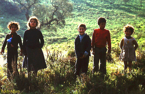 lilbirdie:  Gypsy kids, Portugal (by Eddy Allart)