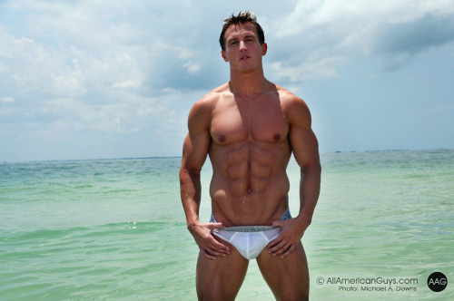 jocklicious:  Jeff Grant (via Top Fit Guys)