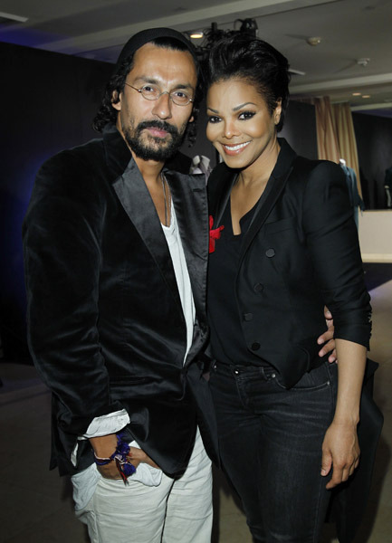 Photo JANET JACKSON with DESIGNER HAIDER